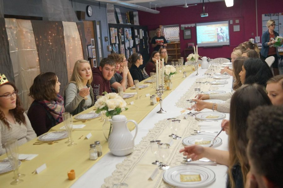 The+Foods+and+Culinary+Arts+classes+held+the+Thanksgiving+Etiquette+Dinner+Nov.+21+in+Mrs.+Petrowskes+classroom.