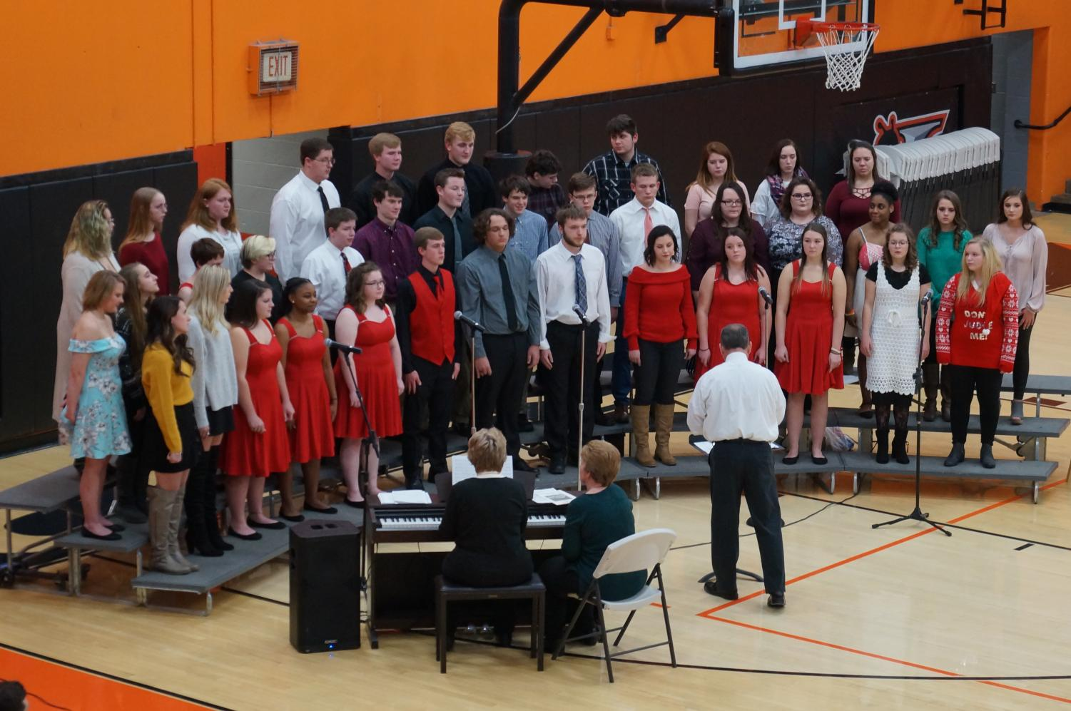 The Chester High School Concert Choir performed