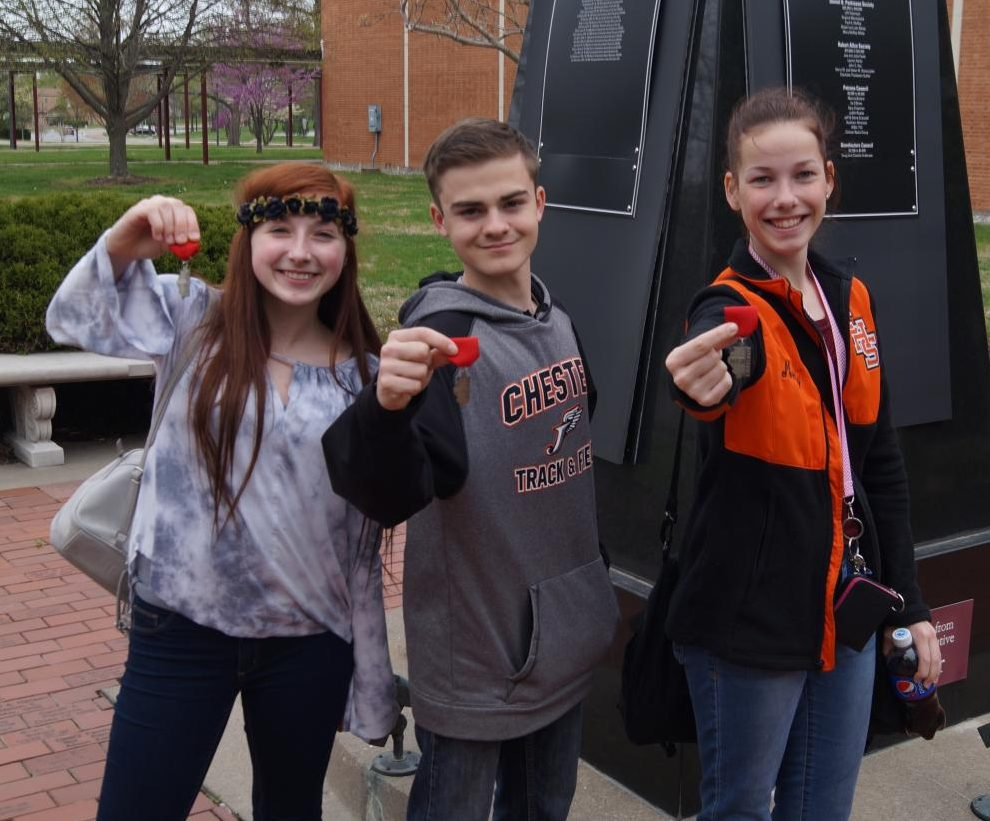 Alison Venus, Chris Schwier and Melody Colonel advanced to the IHSA state journalism contest after placing second at the journalism sectional held April 13 at  Southern Illinois University Carbondale.  Schwier placed second in photo story-telling and Colonel and Venus were second in the Video News category.
