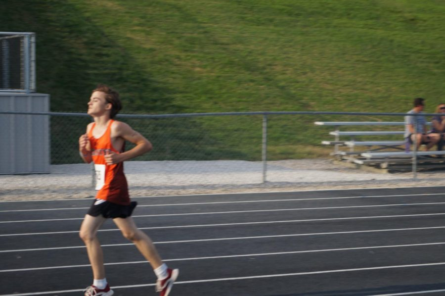 Chris Schwier competes in the Columbia Relay.