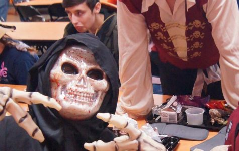 SADD Scares Up Costume Winners