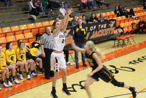 Lady Jackets Defeat Christopher