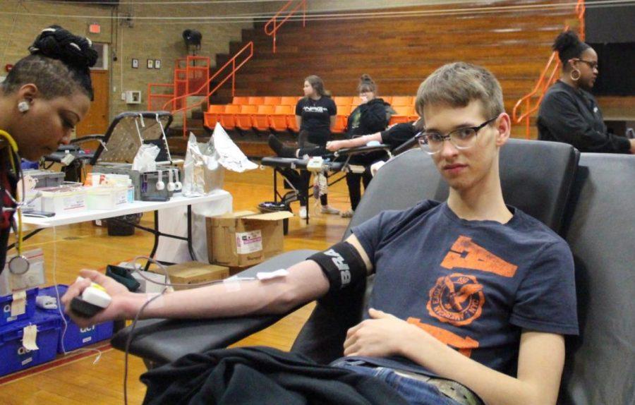 Jacob+Warner+donates+blood.