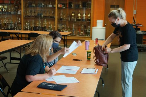 Seniors were back on campus to buy parking passes Sept. 3.
